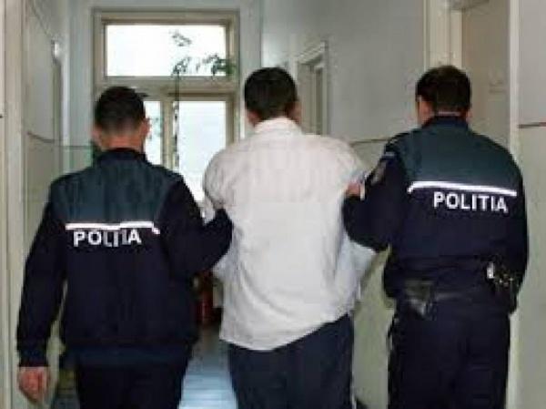 Aurel Caldadariu 57 de ani din Maglavit, condamnat definitiv la 4 ani pentru furt,a fost prins si încarcerat de politisti