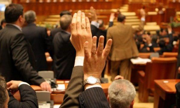 Consilier+prezidential+Romania+ar+putea+avea+un+nou+premier