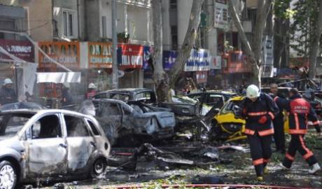 big-atentat-terorist-in-turcia-zeci-de-raniti-in-urma-unui-atac-cu-masina-capcana-la-o-sectie-de-politie-din-mardin
