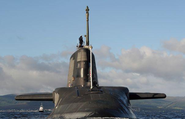 submarin-britanic-465x390