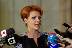 Lia Olguta Vasilescu, ministrul propus al Muncii si Justitiei Sociale, sustine o declaratie de presa dupa ce a fost audiata in cadrul comisiilor de specialitate ale Parlamentului, miercuri 4 decembrie 2017.ALEXANDRA PANDREA/MEDIAFAX FOTO