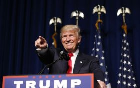 Republican presidential candidate Donald Trump acknowledges the crowd after taking the stage during a campaign rally at the Greenville Convention Center in Greenville, NC, USA, on Tuesday, September 6, 2016. Photo by Ethan Hyman/Raleigh News & Observer/TNS/ABACAPRESS.COM