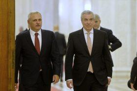 Presedintele Camerei Deputatilor, Liviu Dragnea (S) si Calin Popescu Tariceanu, presedintele Senatului, se reintorc in Parlament, marti 9 Mai 2017, dupa ce l-au condus pe presedintele Klaus Iohannis (nu se afla in imagine), la finalul discursului sustinut de seful statului cu ocazia Zilei Europei, in fata plenului reunit al celor doua camere. ANDREEA ALEXANDRU/MEDIAFAX FOTO