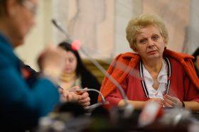 Fostul ministru al mediului, Doina Pana, asista la audierea ministrului nominalizat al Mediului, Gratiela Gavrilescu, in cadrul Comisiei de Specialitate din Parlament, in Bucuresti, luni, 15 decembrie 2014. OCTAV GANEA / MEDIAFAX FOTO