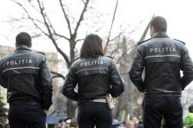 Membri  ai Sindicatului National al Politistilor si al Personalului Contractual protesteaza joi 16 Martie 2017, in fata ministerului Muncii din Bucuresti, ca urmare a nemultumirilor sindicalistilor, privind  nerespectarea legii si de neaplicarea corecta a salarizarii in Ministerul de Interne. ANDREEA ALEXANDRU/MEDIAFAX FOTO