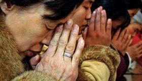 chinesechristianspraying_400