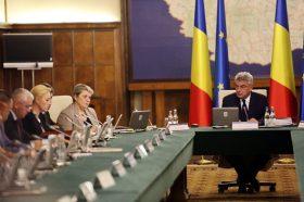 Premierul Mihai Tudose conduce prima sedinta a cabinetului sau ministerial, vineri, 30 iulie 2017, la Palatul Victoria din Bucuresti. GABRIEL PETRESCU/MEDIAFAX FOTO